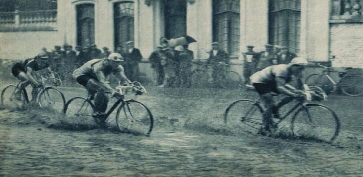 Speedcycling in the rain