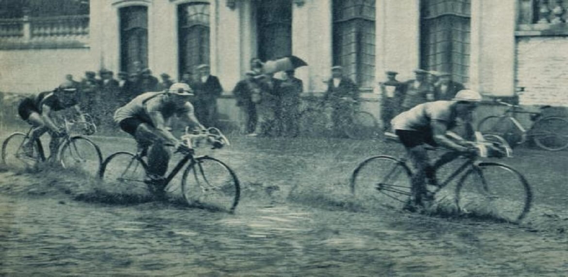 Cycling In The Rain Never Has Been So Easy With These Hints