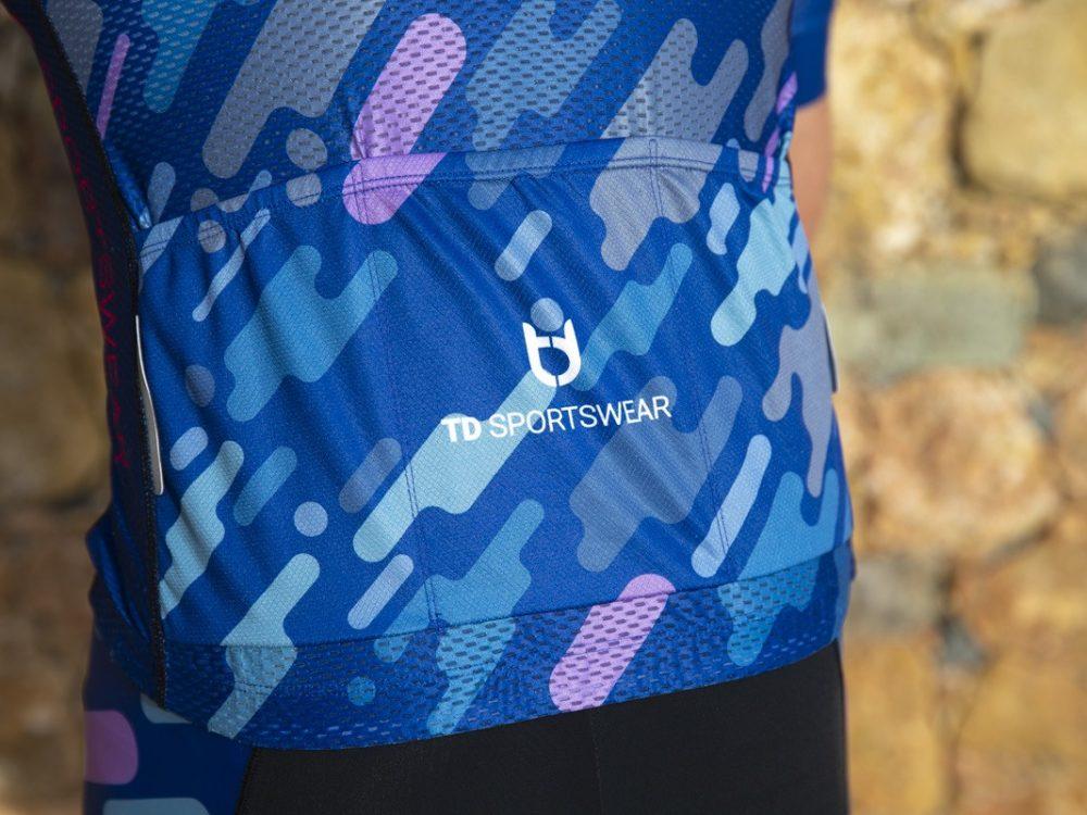 Pro 800 rugzakken wielershirt detailfoto TD sportswear
