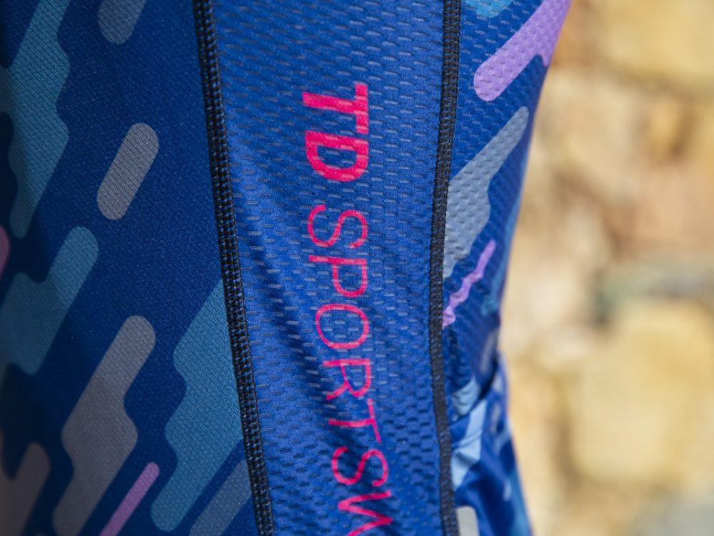 Pro 800 wielershirt zijkant detailfoto TD sportswear